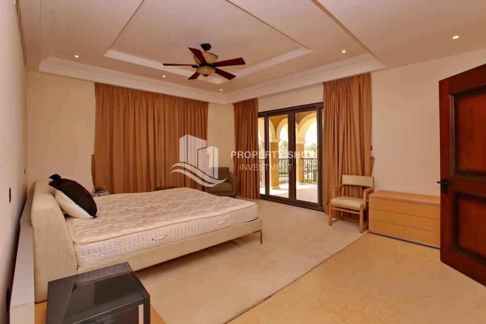 Bedroom - 5Br Villa With Attractive Space, Maid Room & Multiple Terraces .